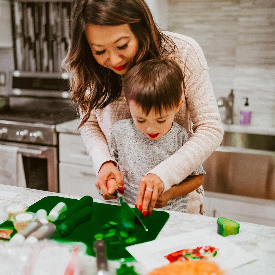 Family preparing a Home Chef meal together